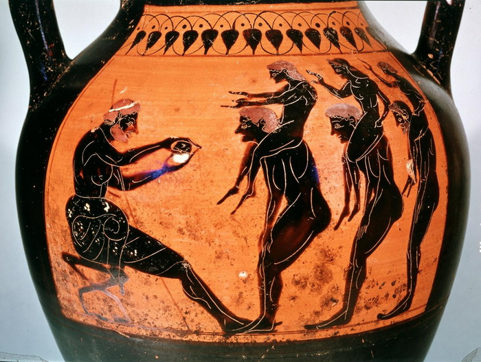 Широкое распространение керамики открывало простор фантазии вазописцев