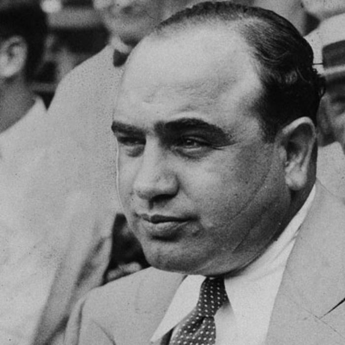 Шрам на лице Капоне получил в возрасте девятнадцати лет - во время разборок с конкурентами