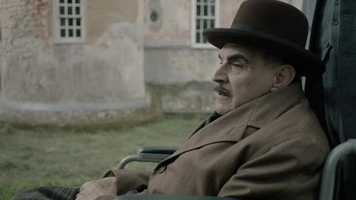 По замыслу Агаты Кристи в романе «Занавес» Пуаро завершал свое последнее расследование
