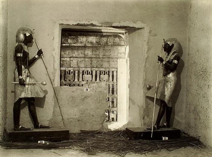 Гробница Тутанхамона замечательна тем, что внутри было обнаружено огромное количество предметов из золота