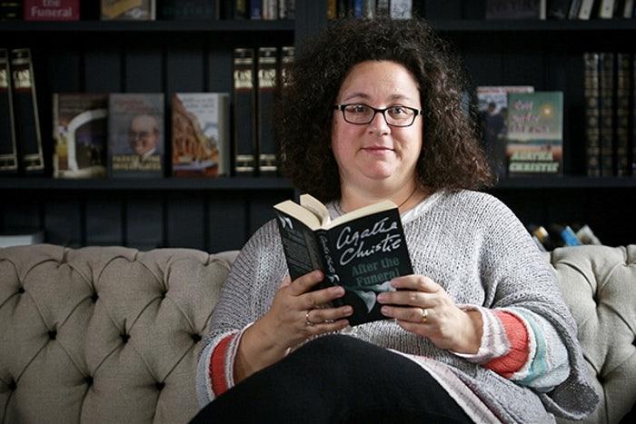 К тому времени, как Ханна принялась за написание романов о Пуаро, она уже была известной писательницей