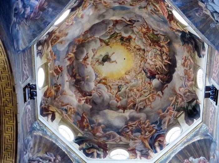 Плафон собора в Парме