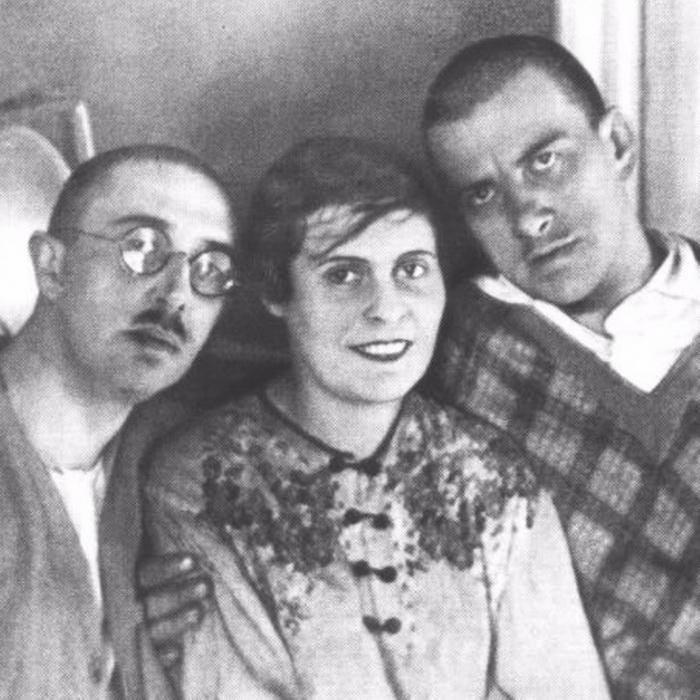 Осип и Лиля Брик с Владимиром Маяковским