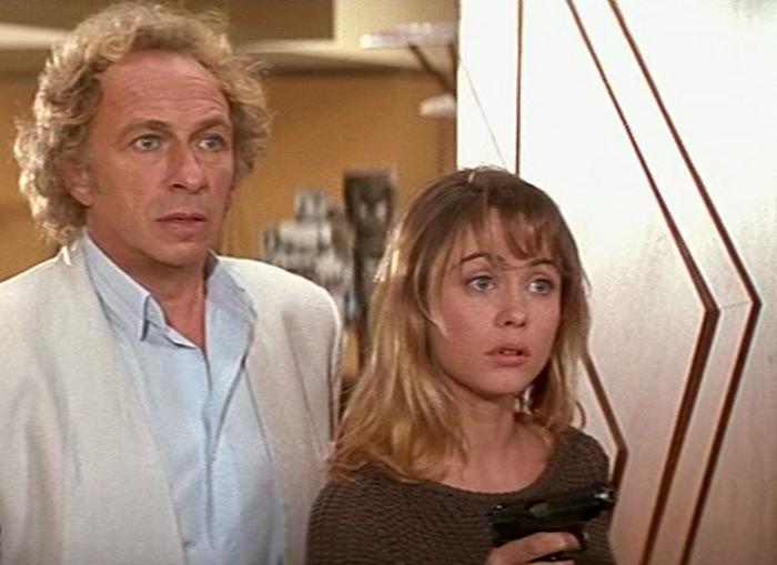 В СССР одним из самых популярных фильмов с участием актрисы стала картина «Налево от лифта»