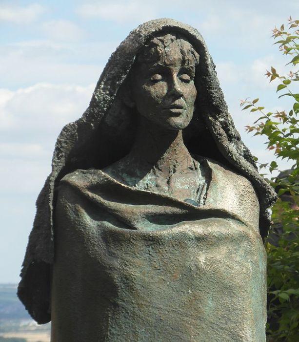 Памятник Хильдегарды в Айбингеме