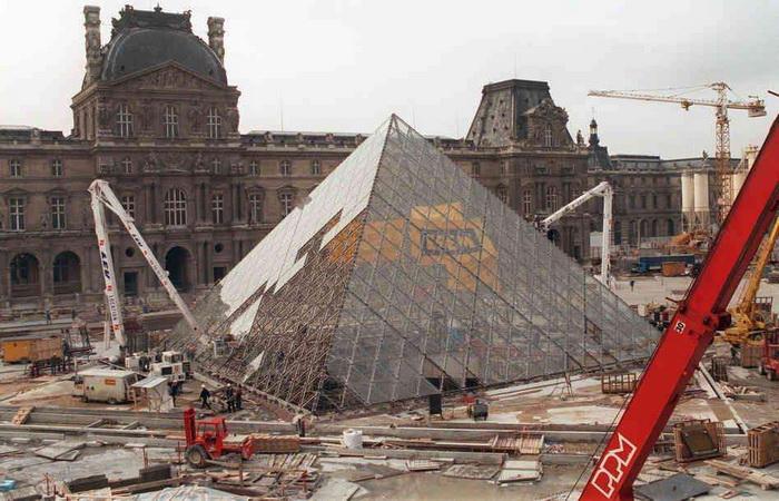 Строительство пирамиды велось в 1984-1989 годах