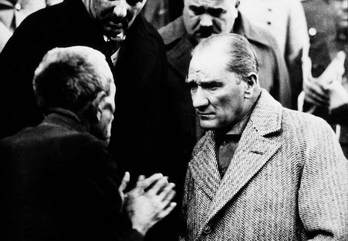 «Ататюрк и гражданин»