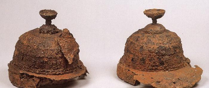 Шлемы, обнаруженные в кофуне Нонака