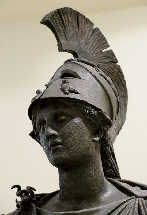 Культ богини Афины существовал в самом большом из античных полисов - в Афинах
