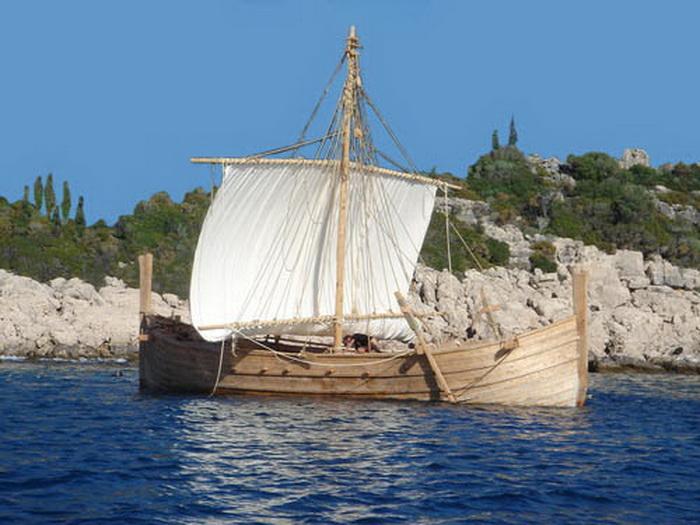 Реконструкция корабля микенского периода