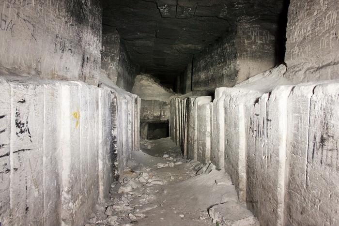 В каменоломнях Старого Карантина