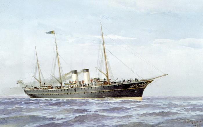 А вот на яхте «Полярная звезда», что совершала дальние путешествия, были и церковь, и коровник, и каюта для коровницы - чтобы дети могли пить в путешествии парное молоко