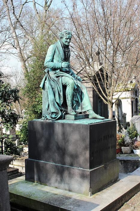 Могила Денона на кладбище Пер-Лашез