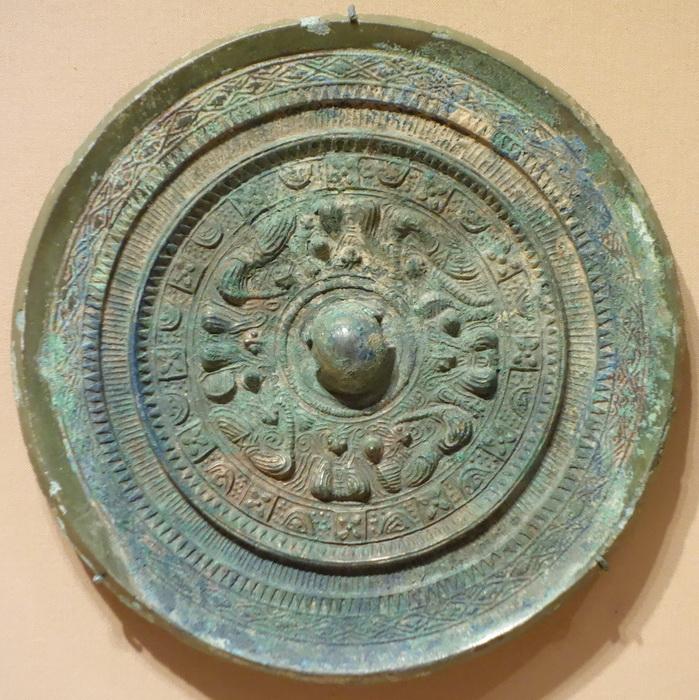 Бронзовое зеркало периода Кофун