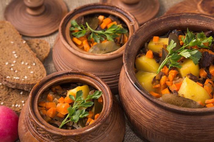 Овощи в горшочках - русское блюдо, которое профессор Пуф не мог обойти вниманием