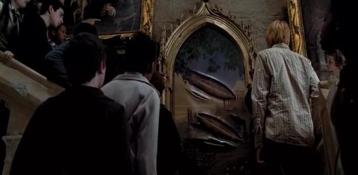 После инцидента с Сириусом Блэком Полная Дама покинула картину и еще долго отказывалась вернуться