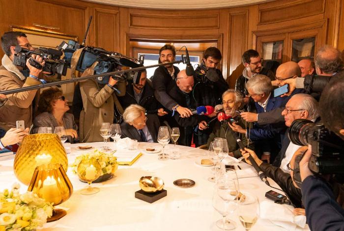 Традиционно встречи членов Академии проходят в ресторане «Друан» в Париже