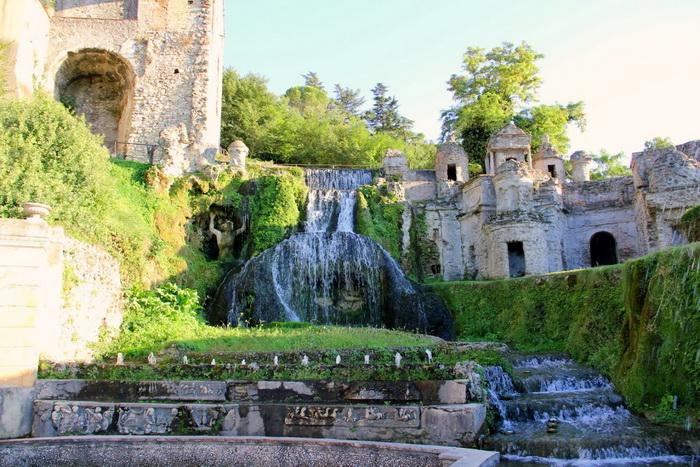 Вилла д'Эсте славится своими фонтанами
