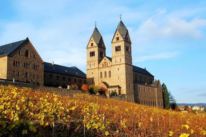 Монастырь в Айбингеме существует и в настоящее время