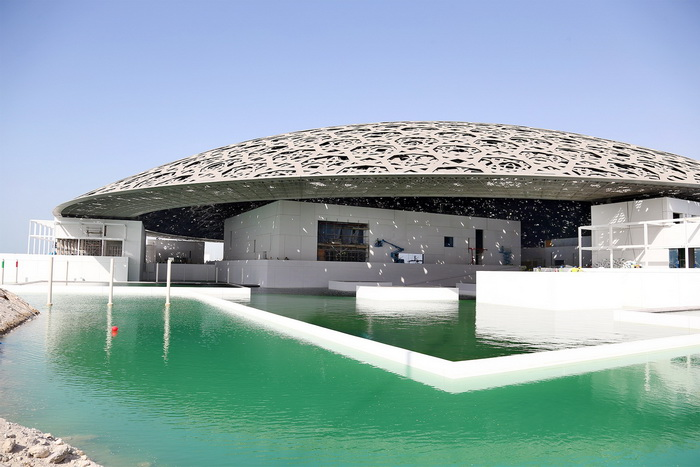 Здания музея Лувр Абу-Даби
