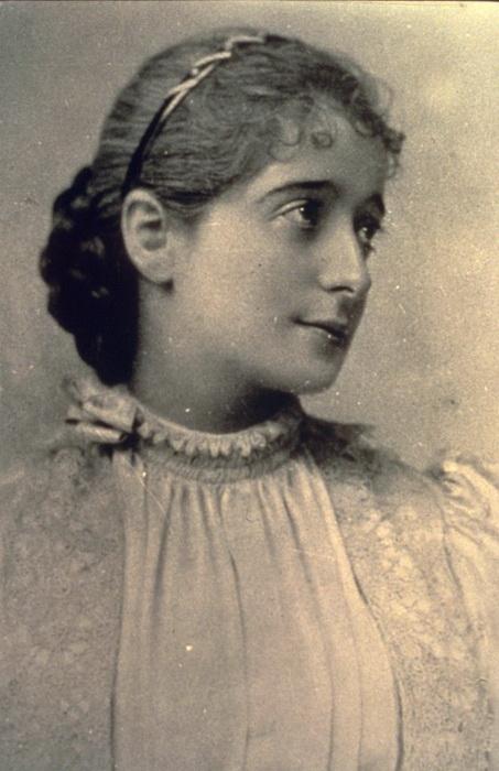 Баронесса Эфрусси-де-Ротшильд