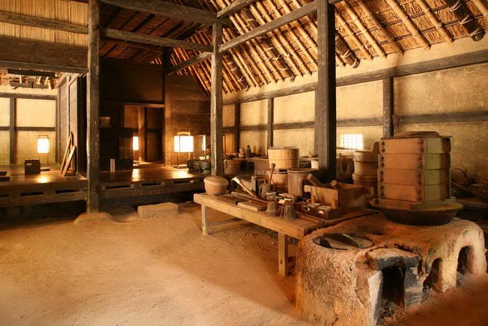 Так выглядели кухня и хозяйственные помещения