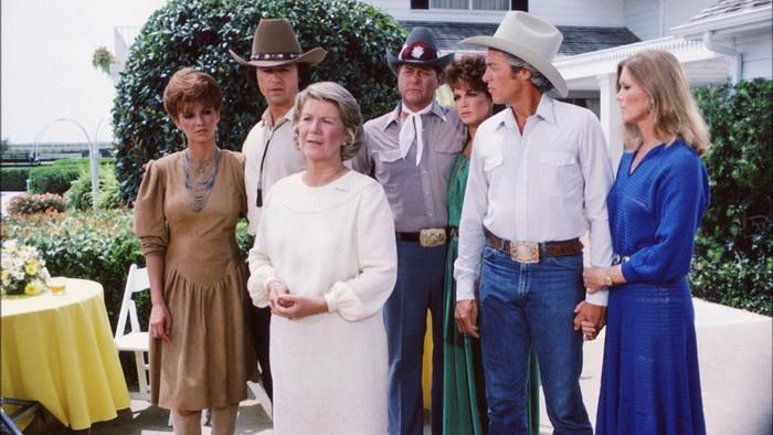 «Даллас» пережил «Династию», завершившись в 1991 году; всего было выпущено 357 серий