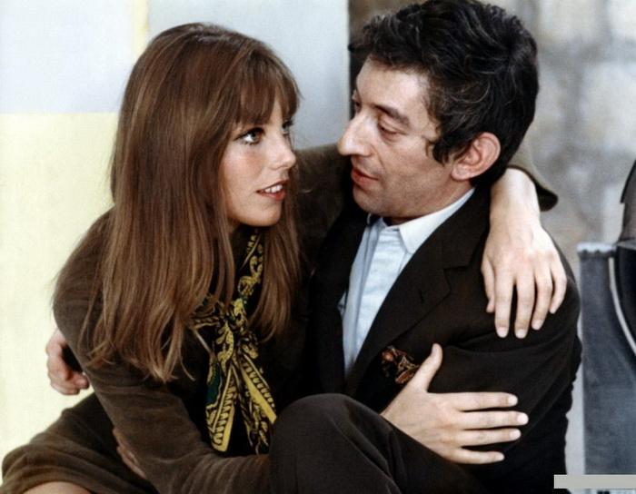 Та самая, судьбоносная для обоих встреча Джейн с Генсбуром произошла во время съемок фильма «Слоган»