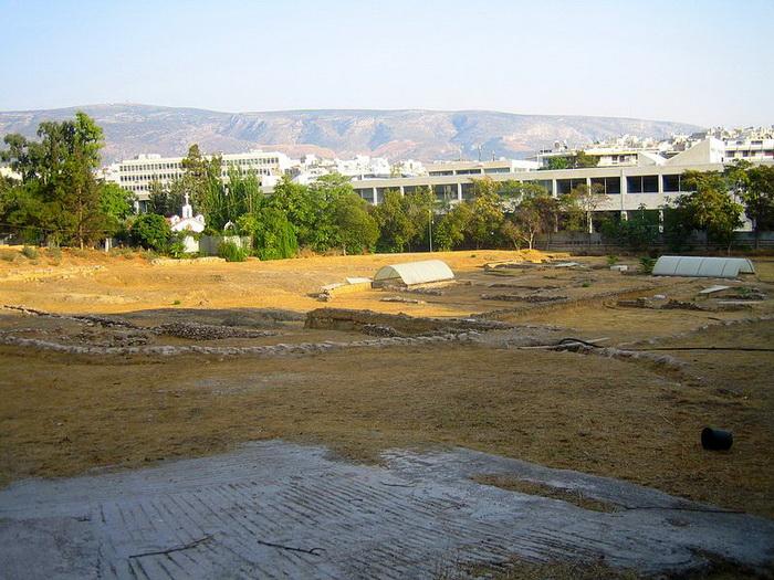 Место в Афинах, где существовал Ликей Аристотеля