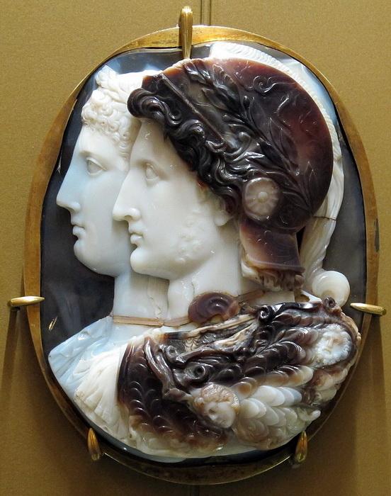 Камея Гонзага, изготовленная в III веке до н.э.