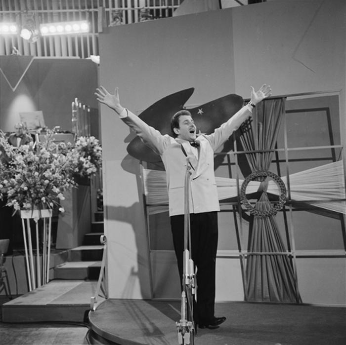 Доменико Модуньо, трижды становившийся победителем фестиваля
