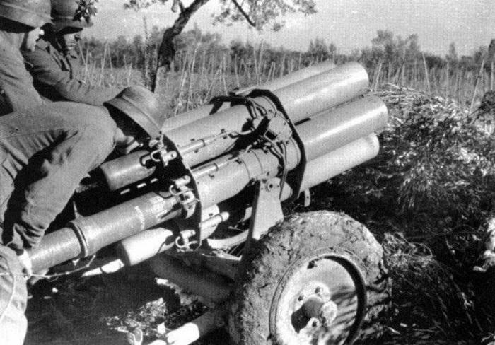 Гитлеровцы применяли против десантников шестиствольные минометы - фото из военной хроники