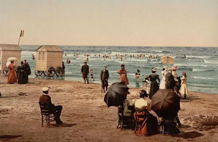 Русские аристократы, ездившие на европейские курорты, перенимали обычаи и привозили их в Россию