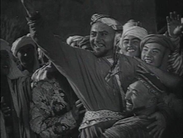 """Кадр из кинофильма """"Насреддин в Бухаре"""", 1943 г."""