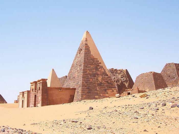Пирамиды города Мероэ, Нубия