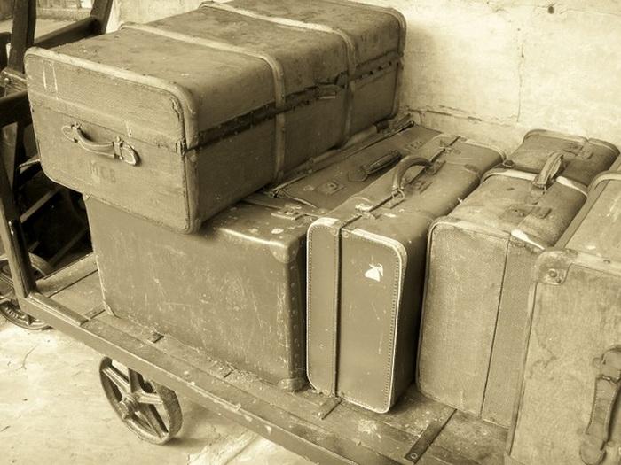 Чемоданы были удобны в использовании для тех пассажиров, кто не имел возможности нанять прислугу