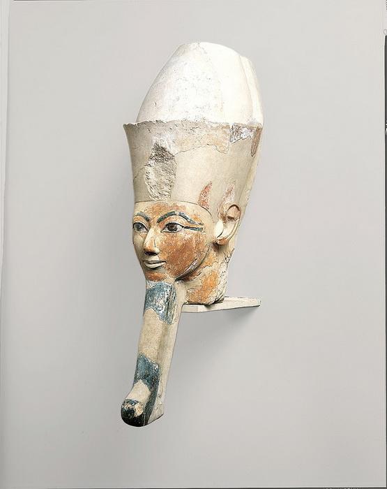 Изображение царицы Хатшепсут с бородой