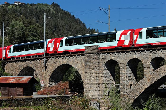 Очень много памятников старины швейцарцам удалось сохранить - благодаря отсутствию войн на территории страны