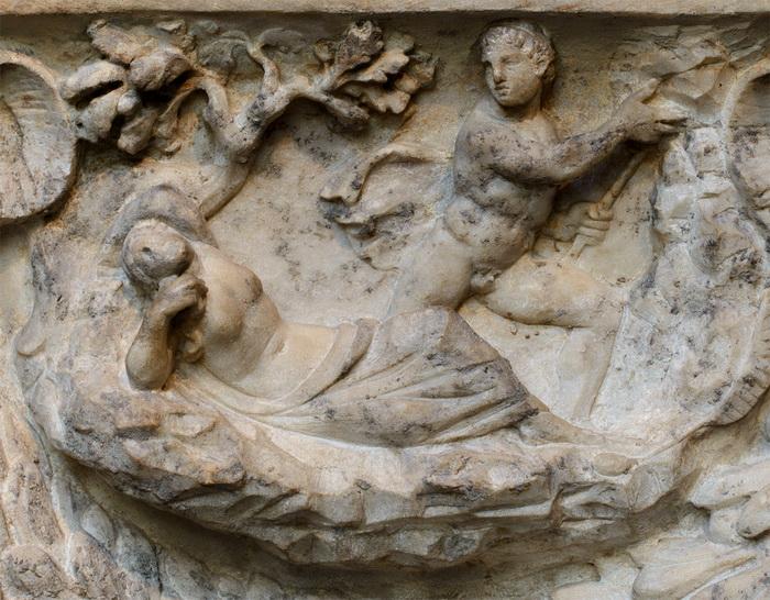 Тесей покидает Ариадну на острове Наксос (деталь саркофага)