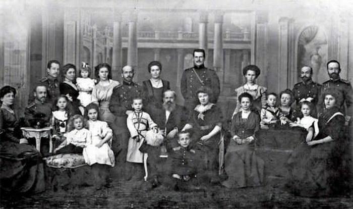 Семья И.Т. Беляева - фото с сайта dbelyaev.ru