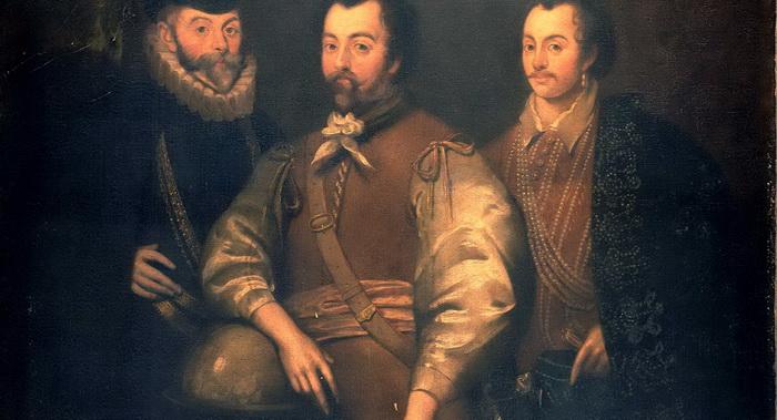 Фрэнсис Дрейк и Джон Хокинс (в центре и справа)