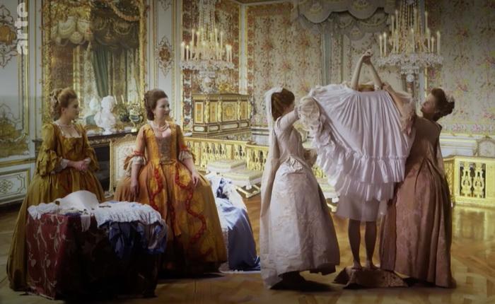 Водные процедуры в Версале заменяла частая смена одежды