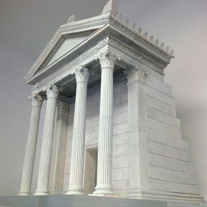 Так, по мнению исследователей, мог выглядеть мавзолей Макрина