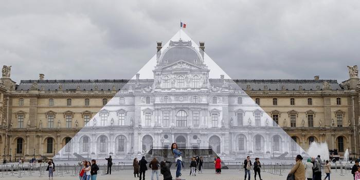Несколькими годами ранее художники заставили пирамиду «исчезнуть»