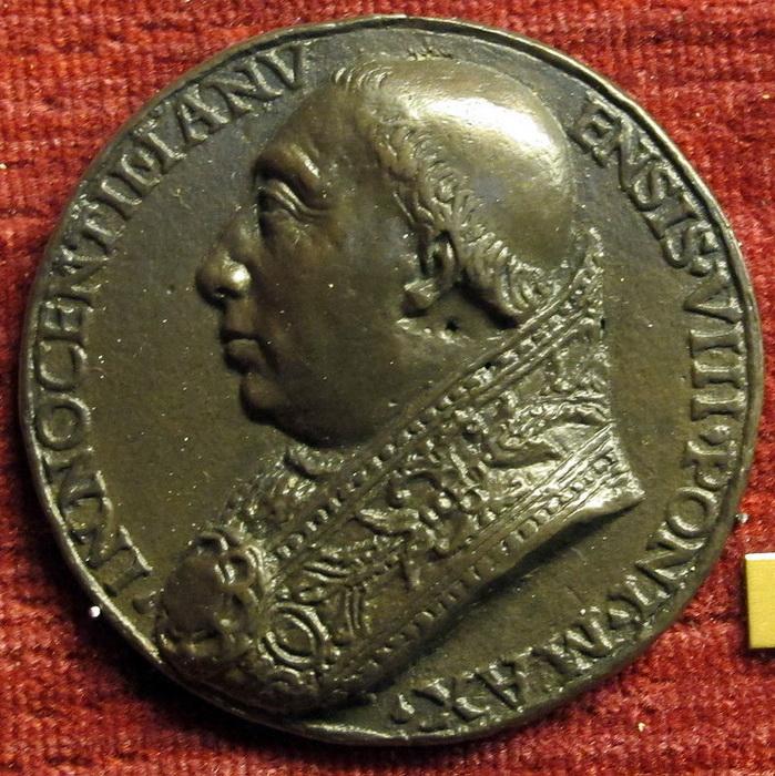 О жизни папы Иннокентия VIII ходили довольно жуткие слухи, да он их и не опровергал