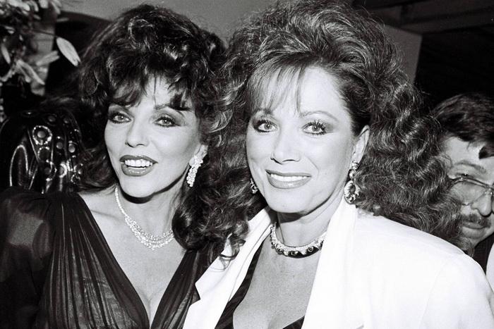 Джоан с младшей сестрой, писательницей Джеки Коллинз