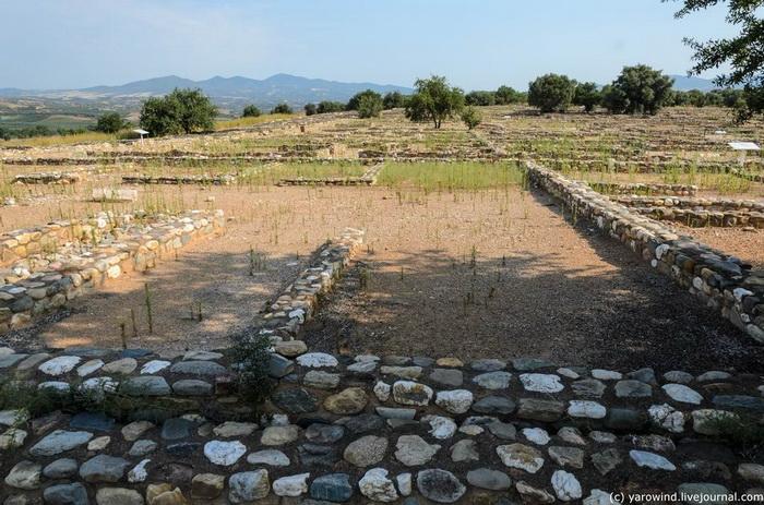 Остатки домов античного периода в Олинфе