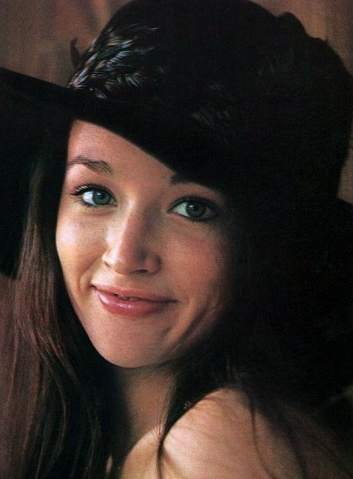 К моменту съемок Хасси уже была актрисой с довольно большим стажем