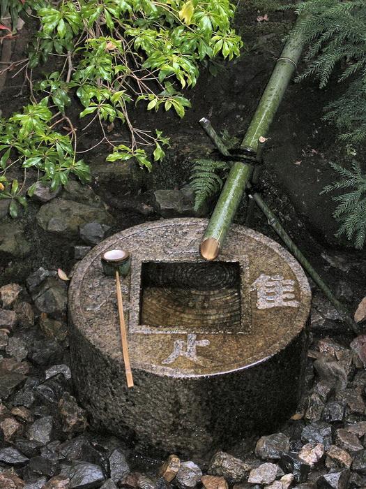 Цукубаи - колодец для омовения