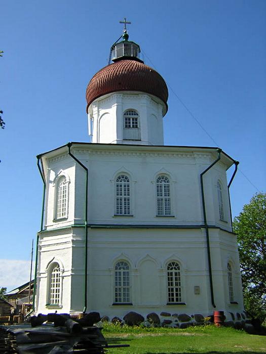 Вознесенская церковь-маяк на Секирной горе Большого Соловецкого острова